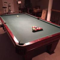 8' Brunswick Ventura Pool Table